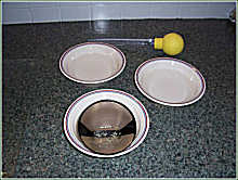 Egg-washing technique - illustration photo 8
